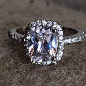 Gorgeous three carat sim. diamond ring